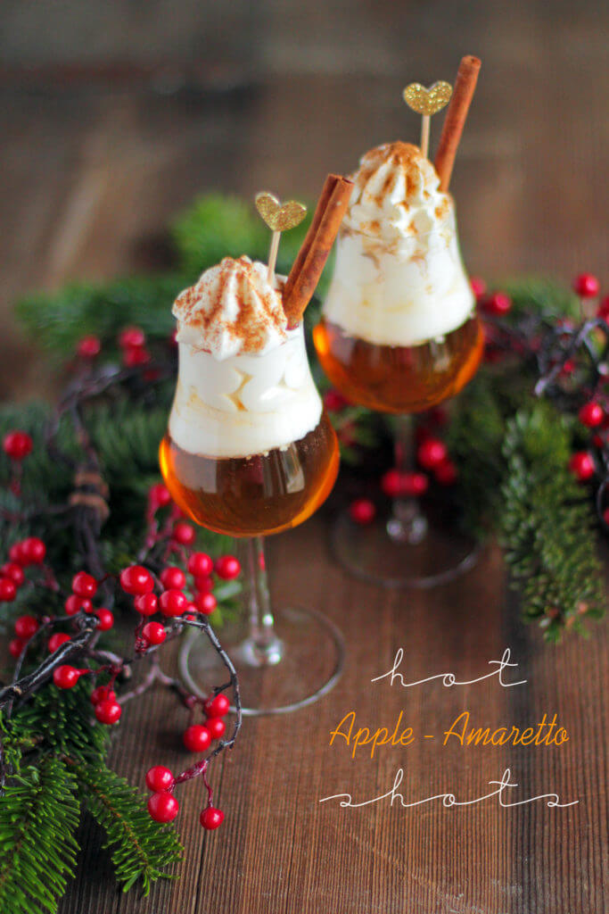 hot apple amaretto drink