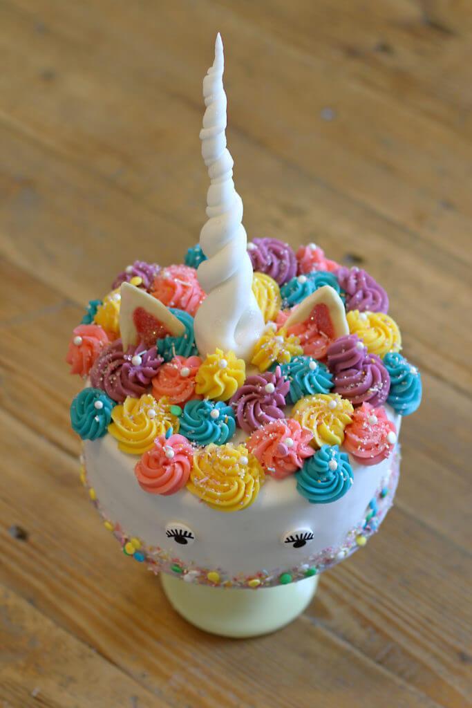 einhorn torte unicorn cake city cupcakes. Black Bedroom Furniture Sets. Home Design Ideas