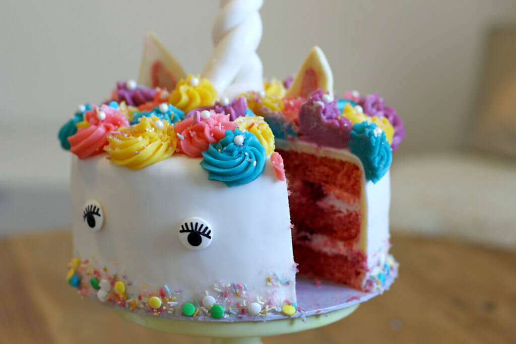 einhorn torte unicorn cake city cupcakes. Black Bedroom Furniture Sets. Home Design Ideas