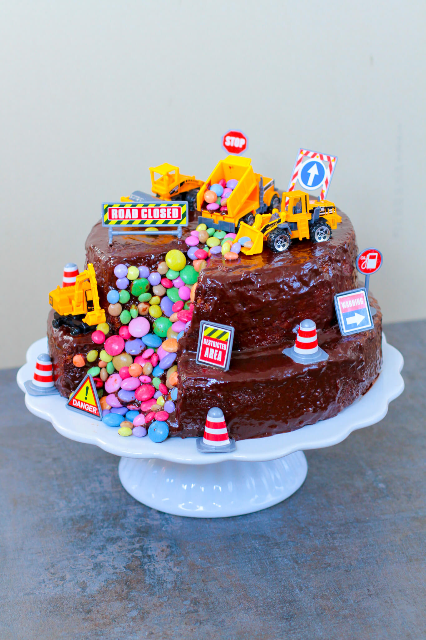 Bagger Torte Digger Cake City Cupcakes